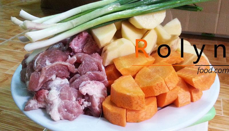 cách nấu xương khoai tây hầm kim chi - rolynfood (1)