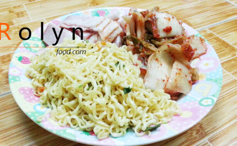 m--tôm-xào-kim-chi---Rolyn-Food-(12)