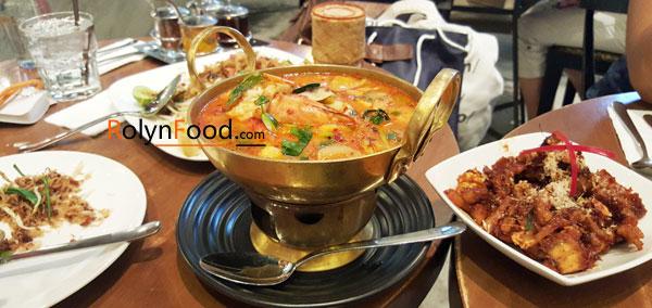 mon sup tom yum Thai Lan noi chua nua dat nuoc Thai Lan trong toi Rolynfood hinh anh 8